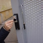 Otváranie posuvnej brány za pomoci DEK kľúča, november 2015