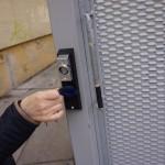 Otváranie posuvnej brány za pomoci bezkontaktného identifikátora, november 2015