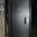 Titánové dvere do kancelárie schopné odolať hrubému násiliu